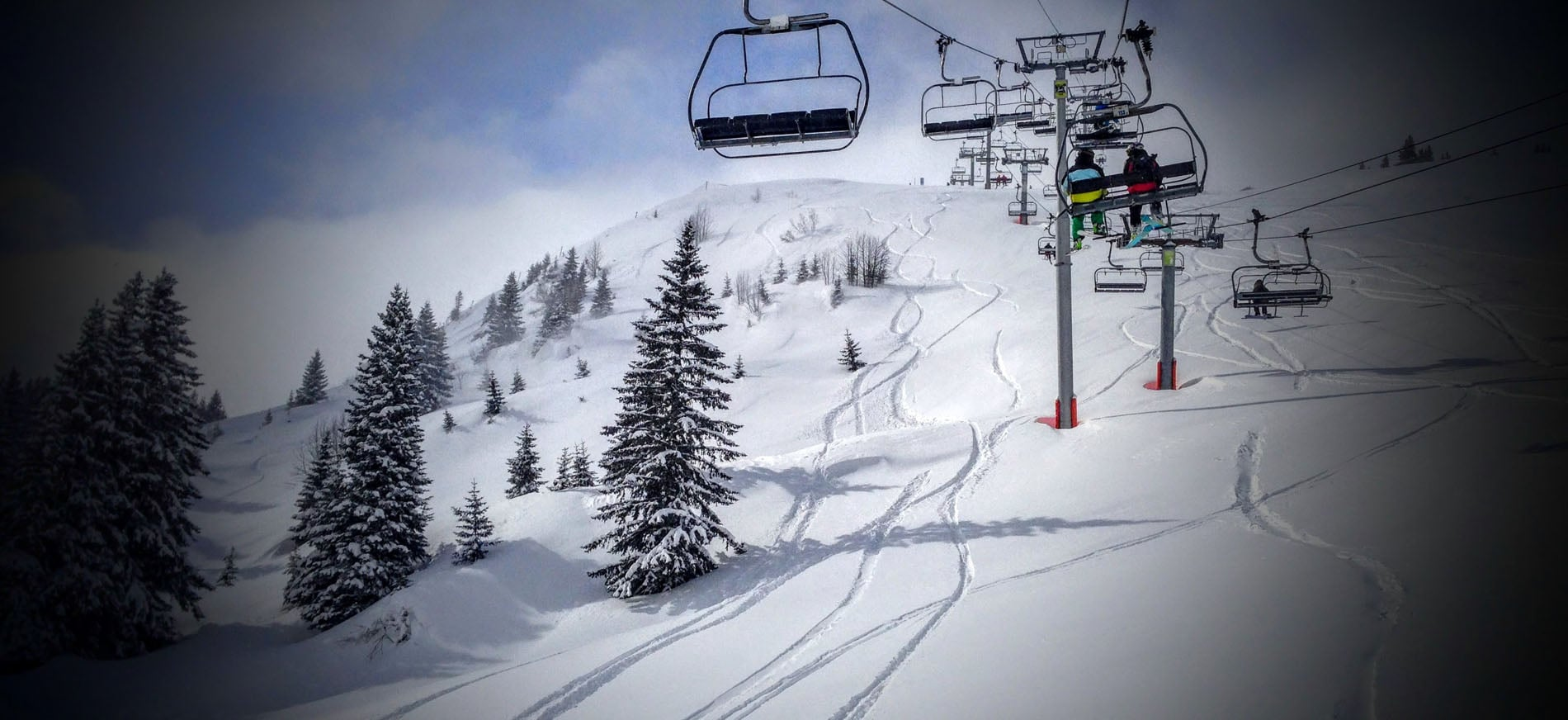 Snowy Avoriaz lifts and powder lines